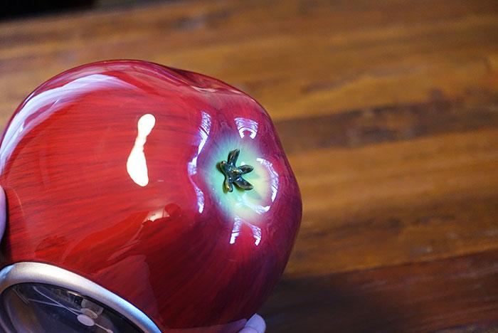 底面もしっかりとりんご。抜け目なくかわいい。